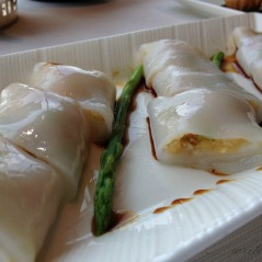 Obligatory cheong fun dish: steamed rice noodle rolled with assorted stuffings.
